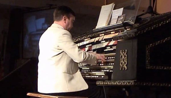 Nicholas Martin - At Home & Abroad (DVD) 7