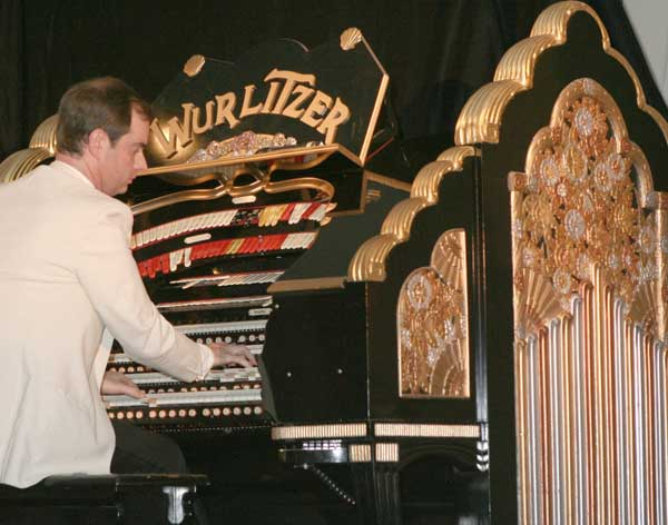 Michael Wooldridge at the East Sussex National Wurlitzer