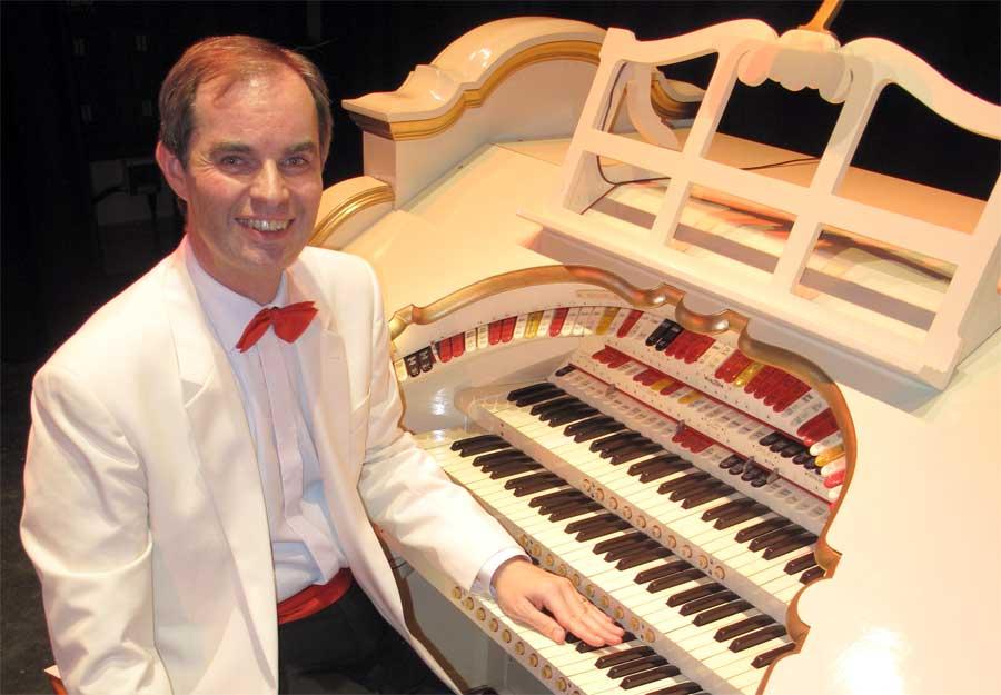 Michael Wooldridge at the Saltaire Wurlitzer